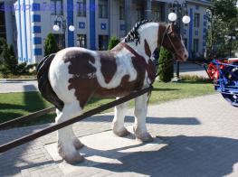 Статуя коня фото