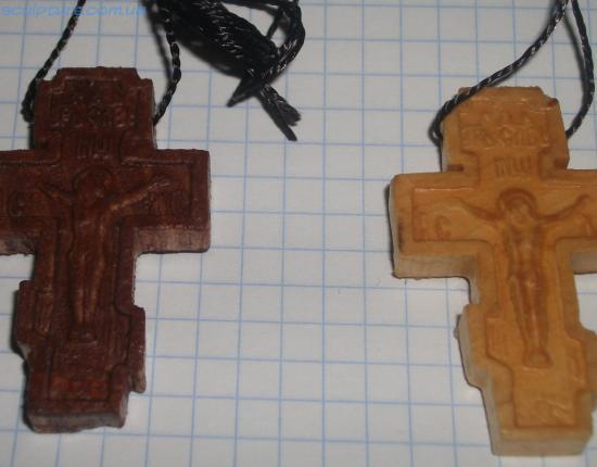 Деревянный крестик с распъятием фото