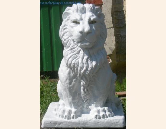 Скульптура льва фото в ракурсе 3