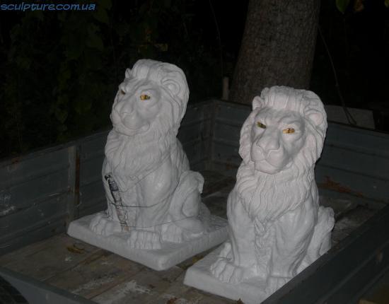 Фото скульптуры льва вечернее освещение 6