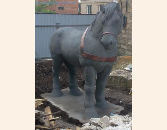 Статуя коня image 9