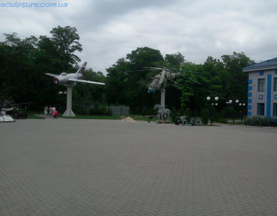 Установка скульптуры коня в г. Запорожье фото