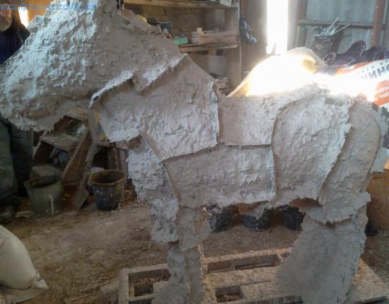 Изготовление гипсовых форм для отливки скульптуры ослика фото