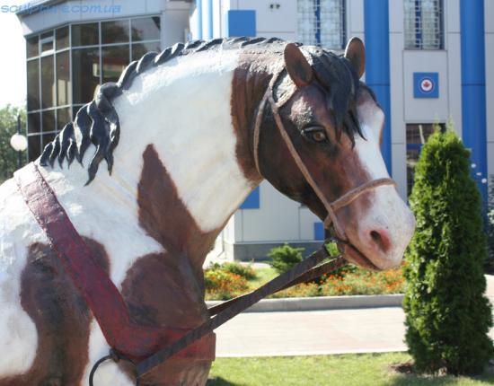 Статуя коня image 2